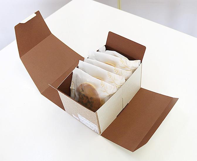 箱に入ったオリジナルどら焼き